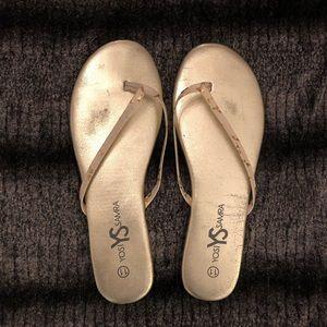 EUC Yosi Samra Padded Metallic Flip Flop Size 11